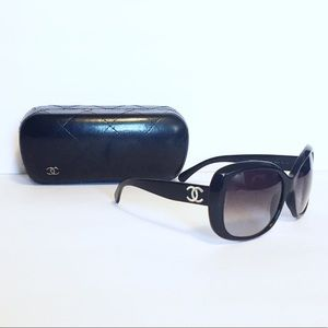 Chanel black 5183 large sunglasses with case